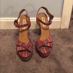 Beautiful Steve Madden multicolored heels size 8